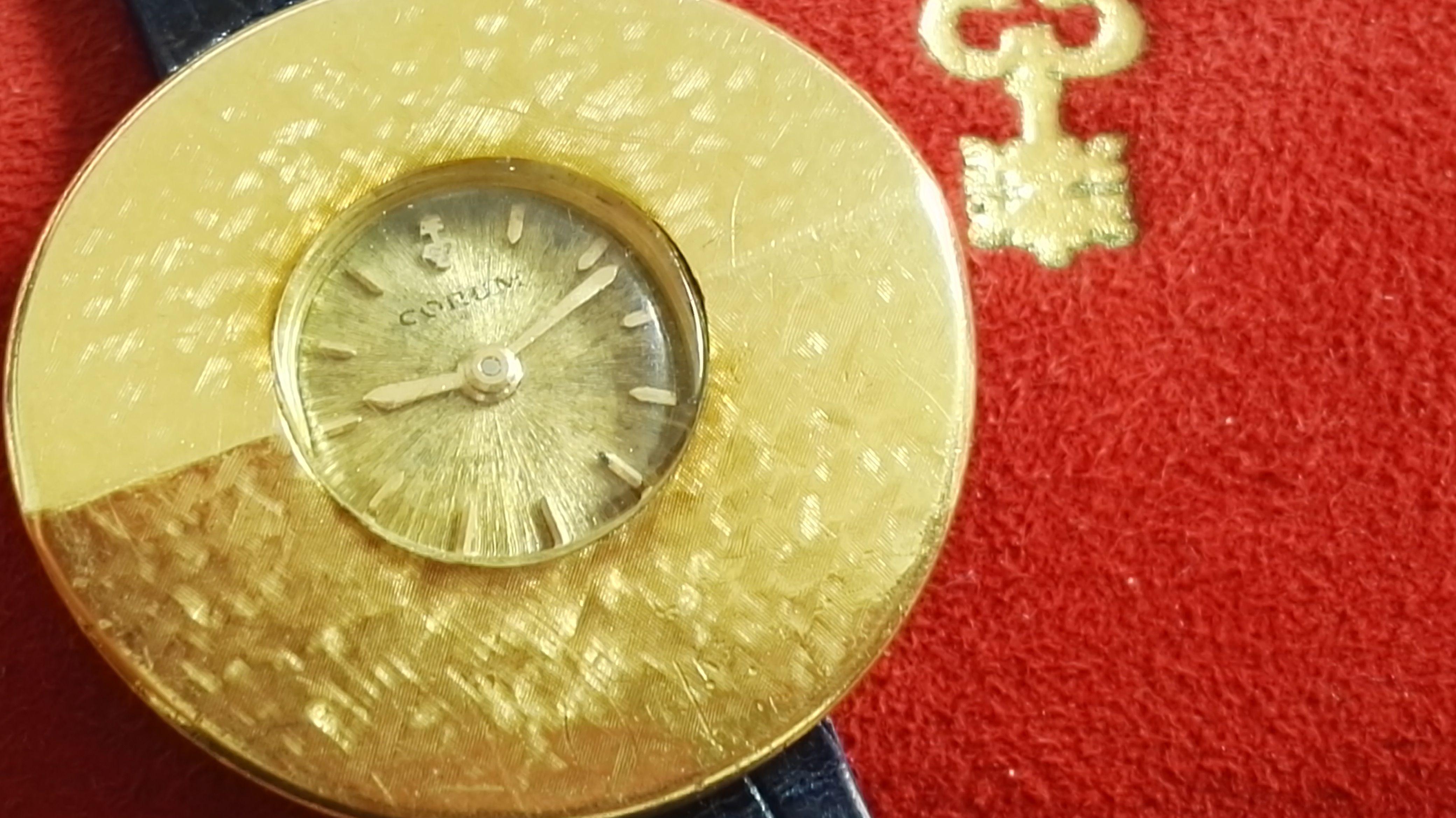 "Corum ""chinese hat"" rare lady's 27 mm watch 18 kt gold yellow 1960 hand winding   San Giorgio a Cremano"