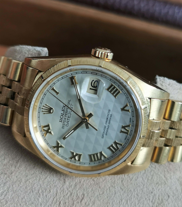 Rolex Datejust Rare Datejust 16248 Bark Finish Pyramid Dial 18kt gold - Box | San Giorgio a Cremano