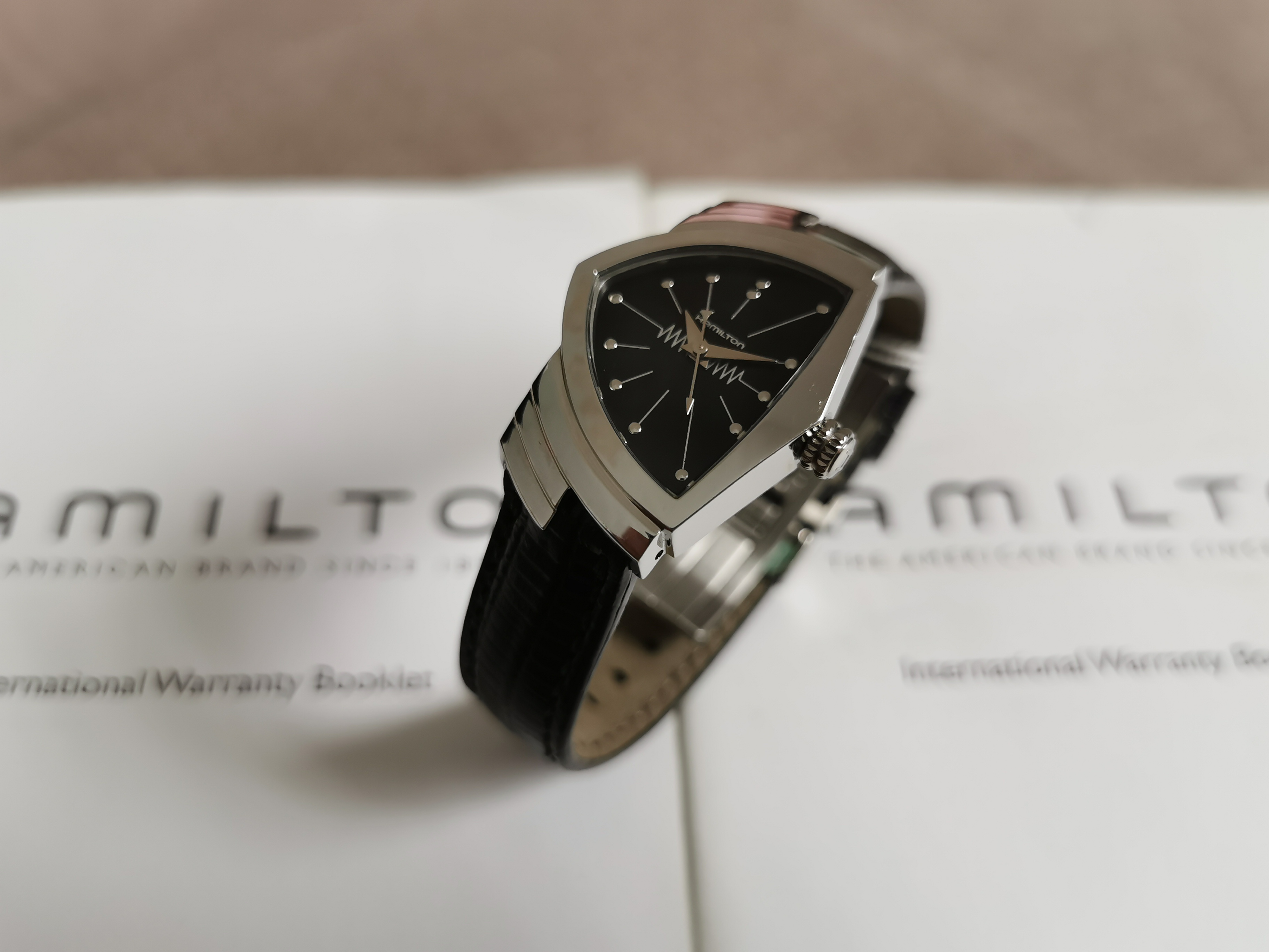 Hamilton Ventura Ventura Quartz Black Dial Stainless Steel Ladies Watch - H24211732 Like New | San Giorgio a Cremano