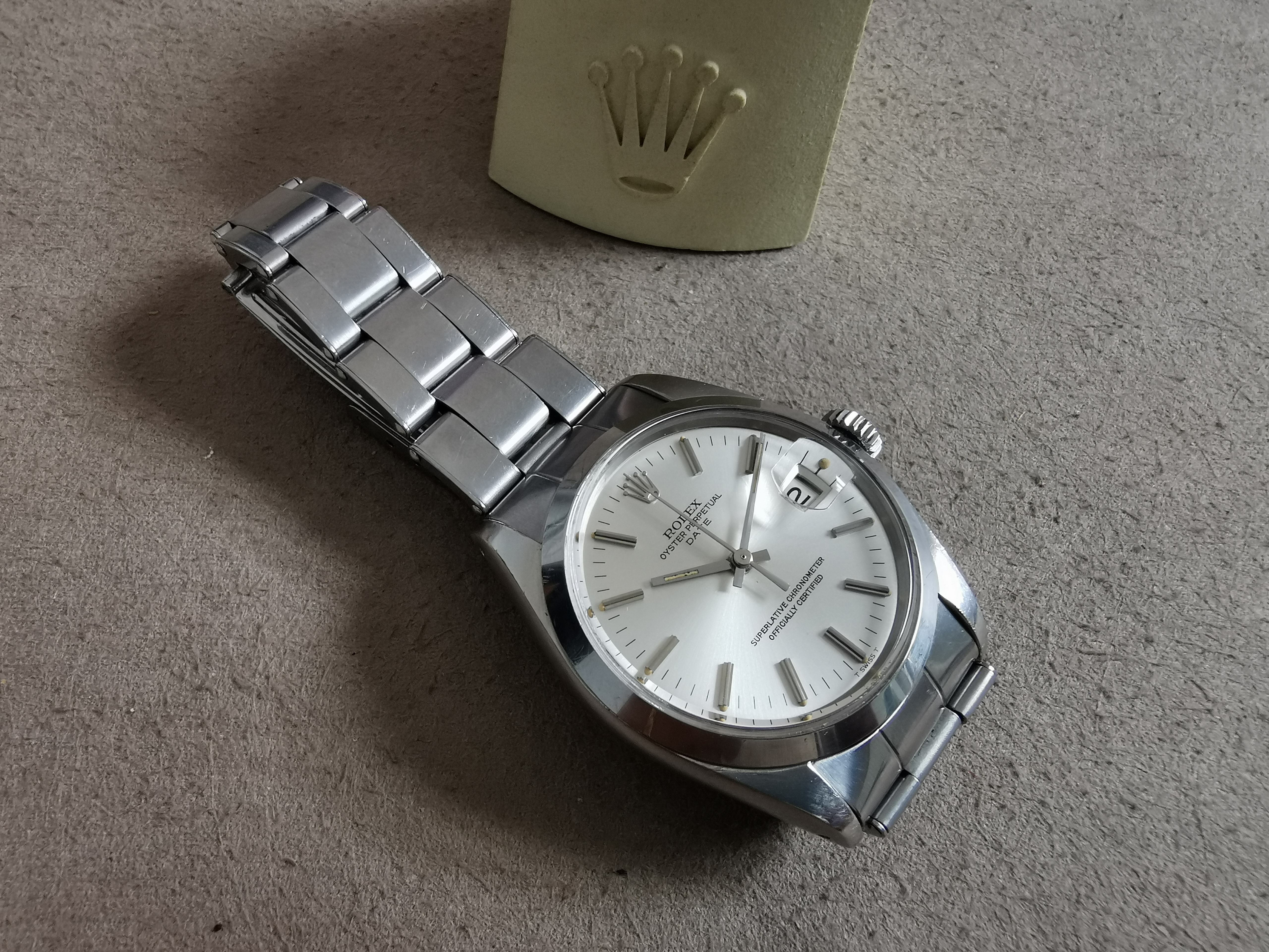 Rolex Oyster Perpetual Date Oyster Perpetual Date Silver Dial Smooth Bezel 34mm men's watch | San Giorgio a Cremano